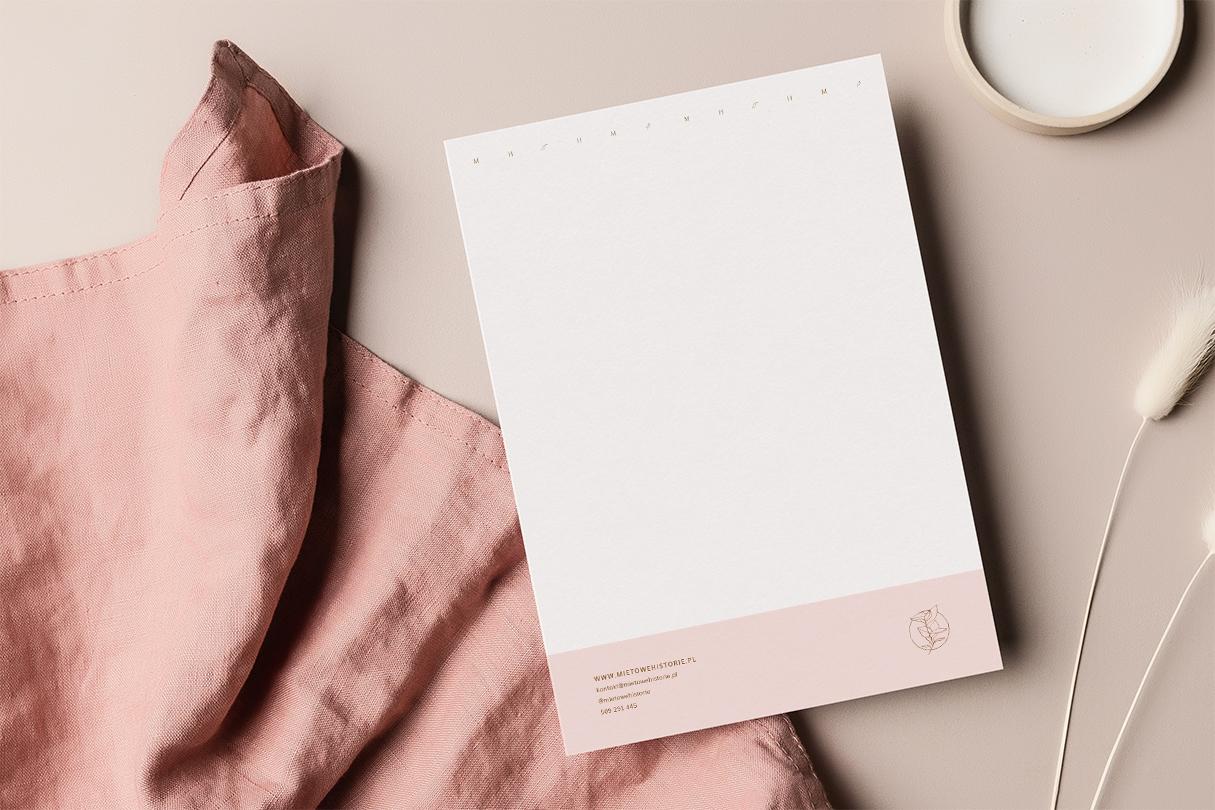 Papier firmowy, materiały firmowe dla fotografa Miętowe historie | Identyfikacja wizualna marki fotograficznej | Fotografia kobieca, lifestyle, biznesowa, rodzinna | Portfolio Moyemu