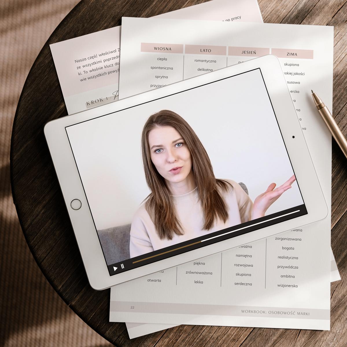 Budżetowa identyfikacja wizualna: Pakiet Szkolenie + Workbook Zdefiniuj osobowość istyl Twojejmarki | Moyemu